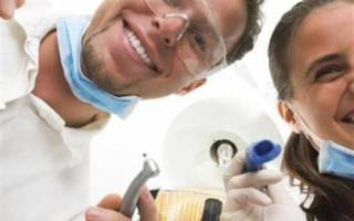 Осмотр стоматологов