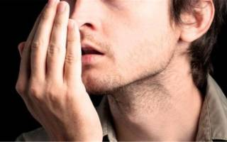 Почему изо рта пахнет гнилью и как избавиться от этого недуга?
