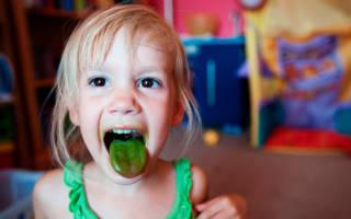У ребенка зеленый язык