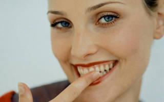 Чистить зубы пальцем