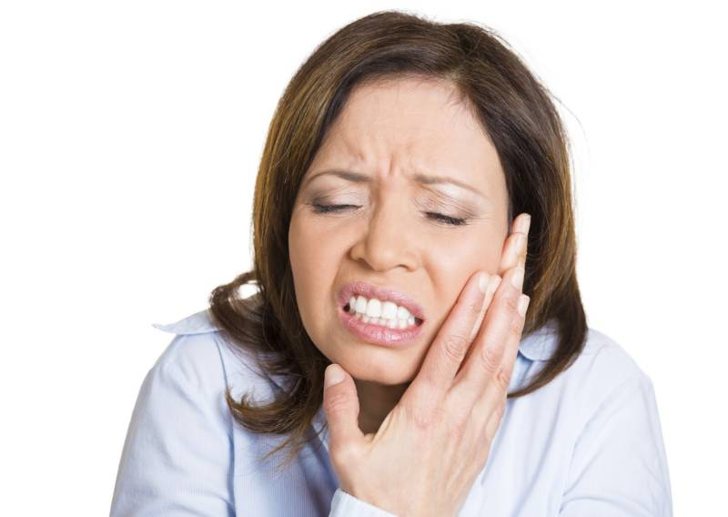 Причины, симптомы и лечение воспаления лицевого нерва (неврита)