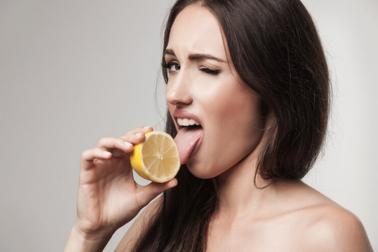 Кислый привкус во рту
